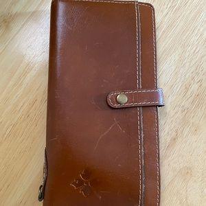Patricia Nash RFID wallet